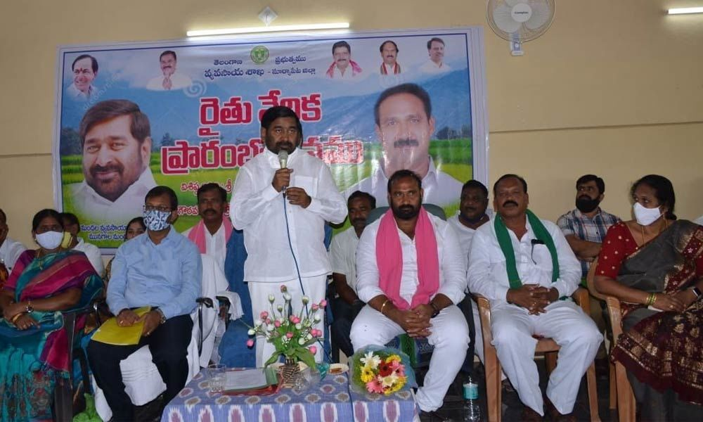 Energy Minister G Jagadish Reddy addressing the farmers after the inauguration of Rythu Vedika in Munagala cluster on Wednesday