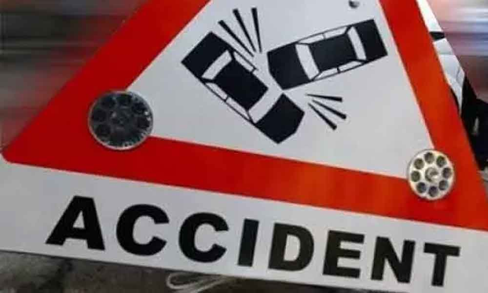 3 killed as car hits tractor in UPs Jalaun